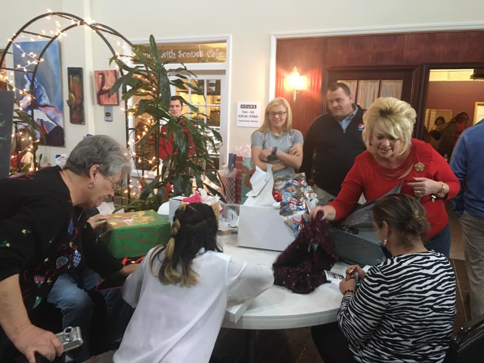 the arcs operation santa program provides assistance to adults age 18 and up with developmental disabilities during christmas based on specific needs - Christmas Assistance 2014